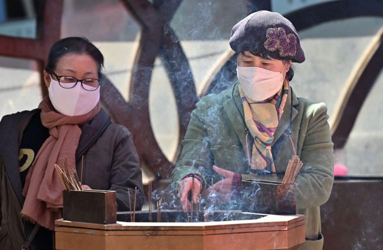 दक्षिण कोरिया मा बुद्धको जनमदिनमा स्वास्थ्य भाइरसको प्रभाव