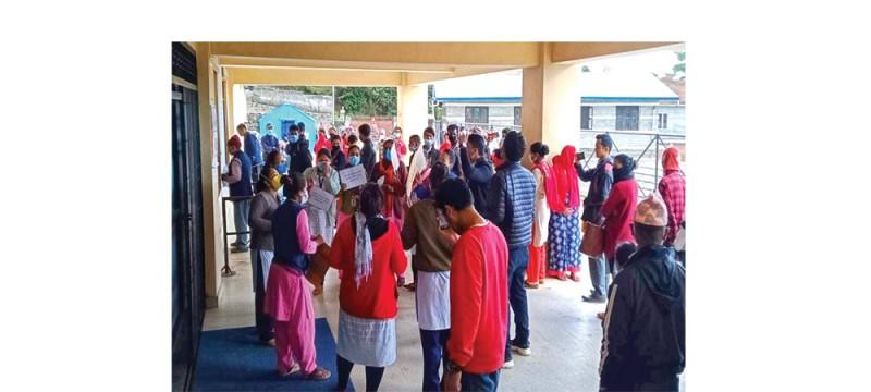 प्रस्तावित चरीकोट अस्पतालले लकडाउनमा ३७ कर्मचारीलाई हटायो